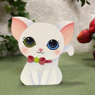 可愛い 白猫 印鑑立て【名前入れ】【印鑑ケース】【猫】(はんこ)