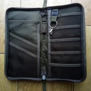 ムジルシリョウヒン(MUJI (無印良品))の無印良品☆(旧型)パスポートケース☆オリーブ色(旅行用品)