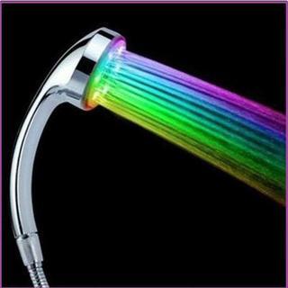 【画期的♪】LED シャワーヘッド レインボー タイプ 活性炭入り