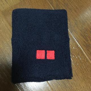 ユニクロ(UNIQLO)の片手のみ 新品・未使用 UNIQLO リストバンド 紺(その他)