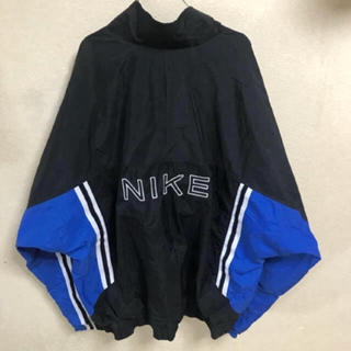 ナイキ(NIKE)の90s NIKEナイロンジャケット 古着 ビンテージ デカロゴ 黒 白 青(ナイロンジャケット)
