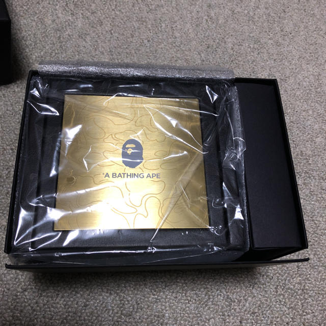 A BATHING APE(アベイシングエイプ)の新品 未使用 ape g-shock  限定 ベアブリック  レア メンズの時計(腕時計(アナログ))の商品写真