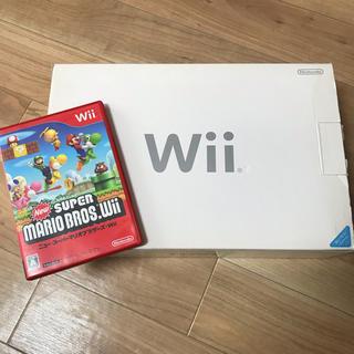 ウィー(Wii)のwii本体 マリオ付き(家庭用ゲーム本体)