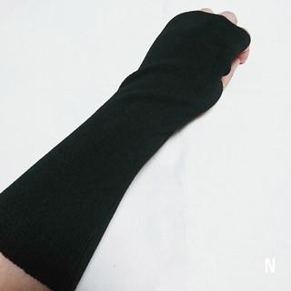【新品】ブラックニットグローブ アームカバー 手袋 男女兼用 秋冬(手袋)