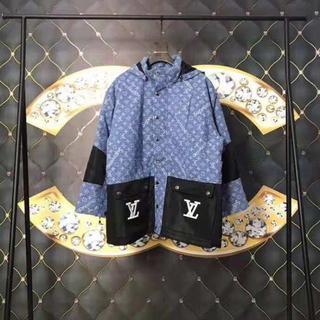 シュプリーム(Supreme)のコート、ジャケット(ピーコート)