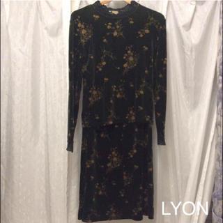 スカートスーツ LYON (スーツ)