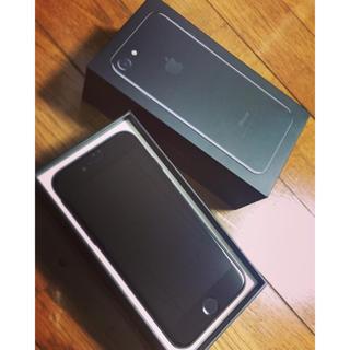 アップル(Apple)の美品!iPhone 7 128GB ジェットブラック ☆(スマートフォン本体)
