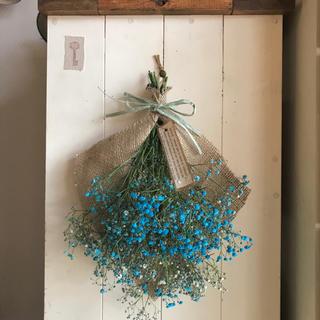 blue blue かすみ草のフレンチスワッグ