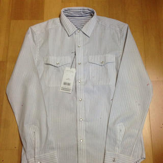メンズビギ(MEN'S BIGI)の新品タグ付き☆ メンズビギ リバーシブルシャツ ホワイト×ストライプ(シャツ)