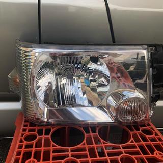 ミツビシ(三菱)のタウンボックス  U61W 純正ヘッドライト 右(車種別パーツ)