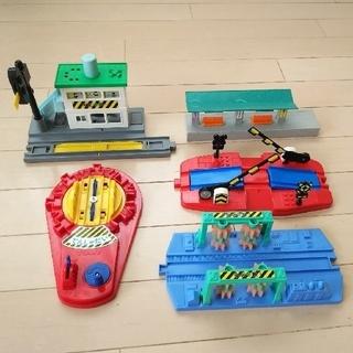 タカラトミー(Takara Tomy)のプラレール  ニュー転車台  信号所 洗車場 ニュー踏切 情景部品 セット(電車のおもちゃ/車)
