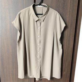 ジーユー(GU)の新品未使用☆GU☆ブラウス(シャツ/ブラウス(半袖/袖なし))