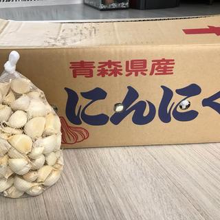 青森県産 にんにくMサイズ ホワイト6片 1kg(野菜)