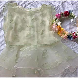 アイズビット(ISBIT)のアイズビット♡フラワーペプラムトップス(カットソー(半袖/袖なし))