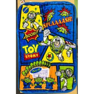 ディズニー(Disney)の【新品】トイストーリー マイヤー毛布 ハーフケット 約100×140cm(毛布)