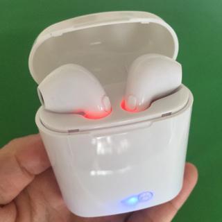 AirPodsタイプ ワイヤレスイヤホン Bluetooth ケース付き 両耳(ヘッドフォン/イヤフォン)