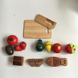 【中古】木製 木のおもちゃ 知育 台所 料理 ままごと セット しまじろう(知育玩具)