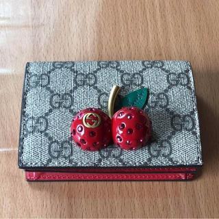グッチ(Gucci)のグッチチェリー折り財布未使用(財布)