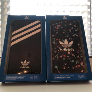 アディダス(adidas)のアディダス iPhoneXケース 1つ(iPhoneケース)