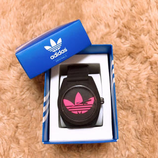 アディダス(adidas)のadidas 腕時計 black×pink(腕時計(アナログ))