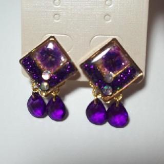 013*蝶バネスクエアイヤリング/紫