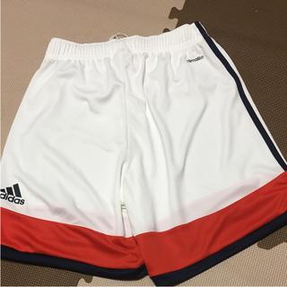 アディダス(adidas)のadidasハーフパンツ/サイズM/新品未使用(ショートパンツ)