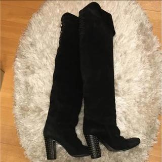 アンスクウィーキー(UNSQUEAKY)のunsquwiky アンスクウィーキー スエードニーハイブーツ 黒 pippi(ブーツ)