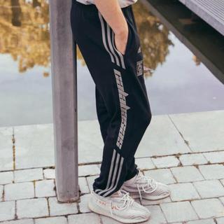 アディダス(adidas)のCALABASAS トラックパンツ (ワークパンツ/カーゴパンツ)
