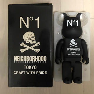 BE@RBRICK NEIGHBORHOOD 400%