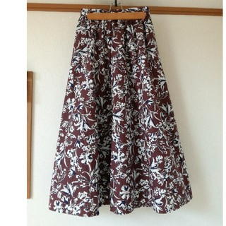 GU 花柄ロングスカート