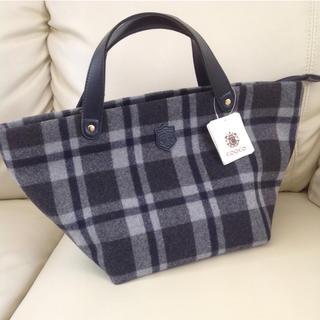 クーコ(COOCO)の秋冬用ウール製 新品未使用タグ付きトートバック ¥4500(トートバッグ)
