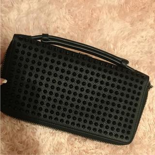 クリスチャンルブタン(Christian Louboutin)のルブタン 正規品 大きめ 長財布(長財布)