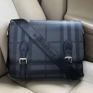 BURBERRY バーバリー ブラック メッセンジャーバッグ(メッセンジャーバッグ)