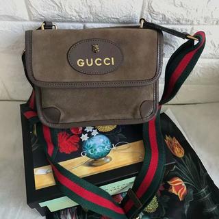グッチ(Gucci)のGUCCI ショルダーバッグ(メッセンジャーバッグ)