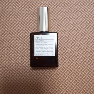 オゥパラディ(AUX PARADIS)の香水(香水(女性用))