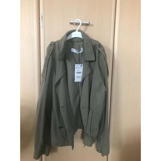 ザラ(ZARA)のZARA 新品 カーキ色  上着、ジャケット(ミリタリージャケット)