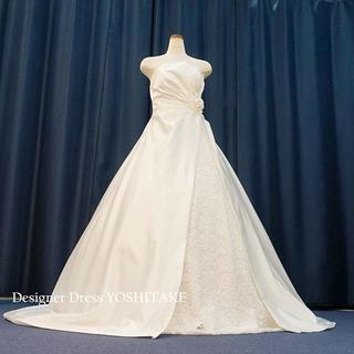 ウエディングドレス(パニエ無料サービス) Aラインロングトレーン刺繍入り(ウェディングドレス)