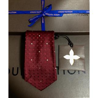 ルイヴィトン(LOUIS VUITTON)のヴィトン ネクタイ 赤 レッド かっこいい オシャレ モノグラム 美品 水玉(ネクタイ)