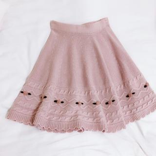 シークレットハニー(Secret Honey)の【ニットフレアスカート❤︎】ローズ刺繍ケーブルスカート F 美品(ひざ丈スカート)