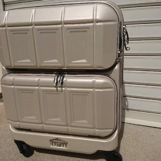 新品キャリーケース パールホワイト(トラベルバッグ/スーツケース)