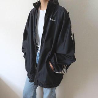 アディダス(adidas)のadidas アディダス ナイロンジャケット ブラック ロゴ刺繍 vintage(ナイロンジャケット)