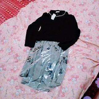 新品未使用☆大きいサイズ4L☆セット販売スカート&ビジュー付きニット(ひざ丈スカート)
