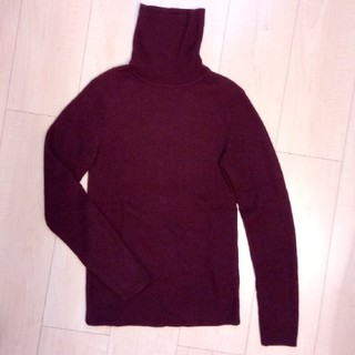 GU - リブニット セーター