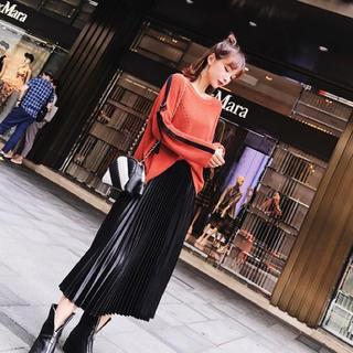 ザラ(ZARA)の光沢 プリーツスカート ブラック(ひざ丈スカート)