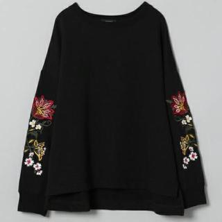 JEANASIS - 大人気!JEANASIS ソデシシュウプルオーバー♡スエット 花 刺繍 ZARA