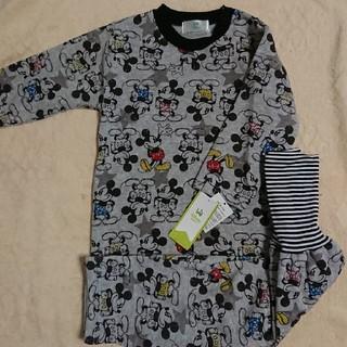 Disney - 新品☆95cm ミッキー総柄 腹巻き付き 長袖パジャマ