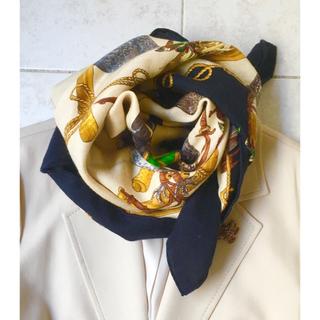 エルメス(Hermes)のエルメス カシミア シルク スカーフ カレ90 使いやすいネイビー&アイボリー(バンダナ/スカーフ)