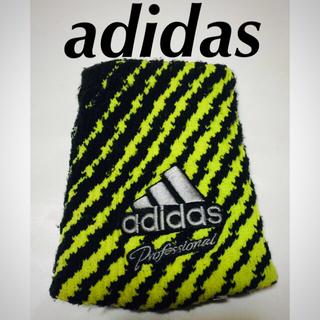 アディダス(adidas)の【adidas】イカしたリストバンドです☆‼️【未使用品】(バングル/リストバンド)