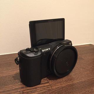 ソニー(SONY)の超美品 SONY α5100 ボディのみブラック Wi-Fi 自撮り(ミラーレス一眼)