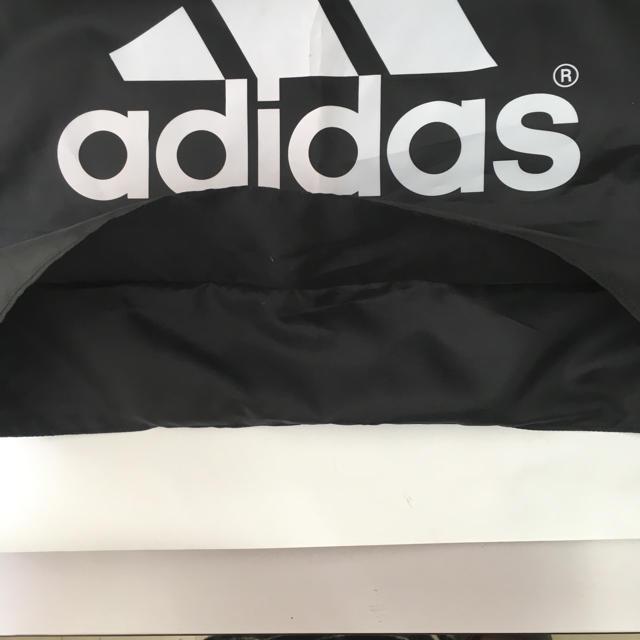 adidas(アディダス)の17大きいサイズアディダス整理袋(ロゴ・紐とめに傷あり)送料込400円 インテリア/住まい/日用品の日用品/生活雑貨/旅行(日用品/生活雑貨)の商品写真